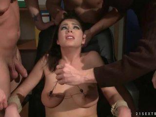 Три guys punishing і трахання a раб дівчина