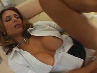 Monique fuentes - melnas reign