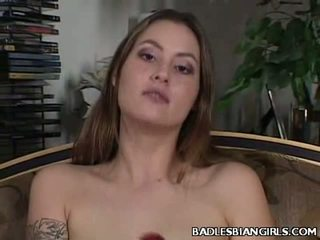 Karstās lesbo porno zvaigzne jassie