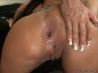 泡沫 butted 孩儿 christina bella acquires 一 load 的 cream pie 在 她的 luch holes