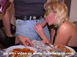 2 italiaans housewives orgie casalinghe italiane orgia