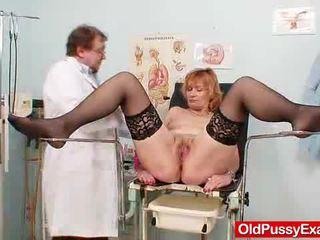 Scarlet hoofd gran gash yawning bij gyno clinic