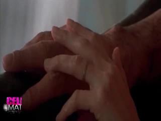 Erotikus teljesítmény körül angelina jolie
