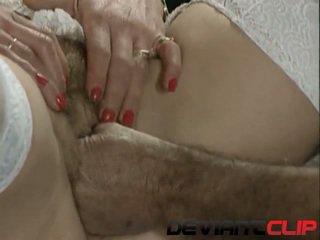 Eldre sex med hårete milf og henne doktor