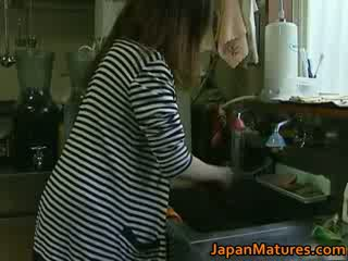 Japonez milf enjoys fierbinte sex