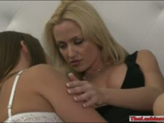 Elisa un angela sommers licking pussies