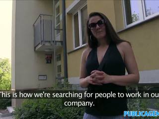 Publicagent karstās brunete mammīte fucks stranger