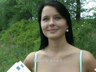 Tsjechisch meisje mia boned en facial voor cash