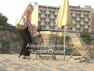 svaigs pludmale liels, reāls mirgo, ideāls teasing