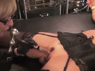 Nina hartley toying と dominating 彼女の 熟女 slut-25734 mp4574