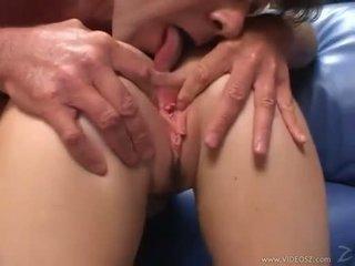Elizabeth lawrence gets її туга трохи дупа трахкав в той час як being fingered