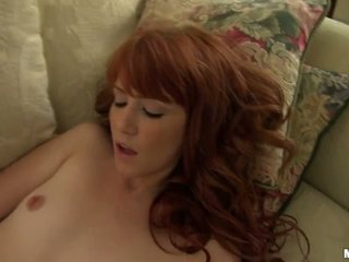 Elle's Swell Masturbating at Home Video