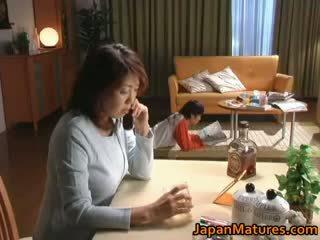 Възбуден японки възрастни мадами смучене part2