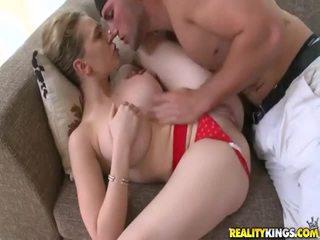 Jong meisje met sexy lichaam