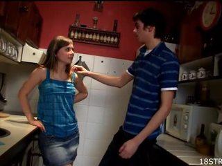 青少年性行为, 业余青少年色情, 钻井少女阴户