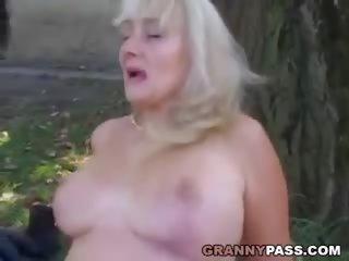 Vollbusig reif receives ins gesicht samenerguss draußen: kostenlos porno 1f