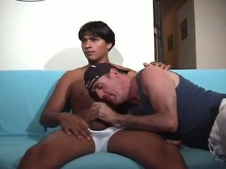 Pussy hound Latino watches porn, gets BJ