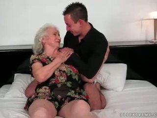चूसना, पुराना, दादी