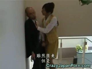 Šialené robenie rukou v tokyo kancelária!