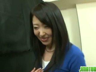 Japonesa madura: japonesa madura esposa gets follada duro en la juego.