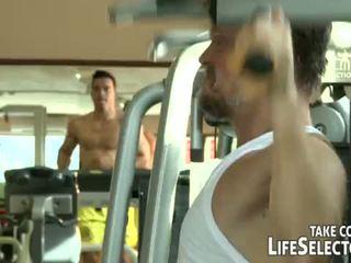 健身 junkies <span class=duration>- 10 min</span>