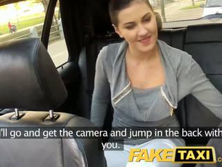 Faketaxi المقعد الخلفي جنس في جمهور roadside