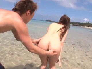 Minori hatsune touches và gets một pocket rocket onto một tuyệt vời seashore