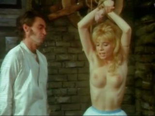 Ingrid steger tortured und hart rangenommen im sterben blond.