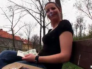 Çeke vajzë iveta flashes dhe publike qij