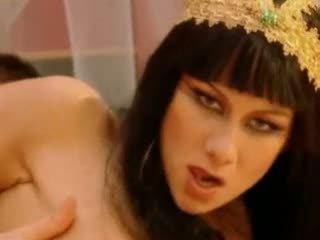 Julia taylor cleopatra วีดีโอ