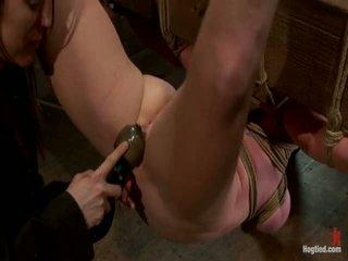 Two tytöt, valtava tiainen, sidottua, 1 suspended, 1 neck tied alas & arched.<br>both tehty kohteeseen brutally kumulat!