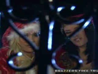 Carmella und shyla versuchen bis bringen weihnachten cheer bis die grinch