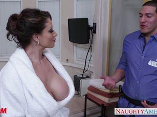 Terangsang mama eva notty gives memainkan payudara