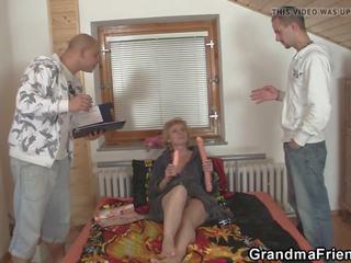 Two Delivery Men Fuck Slim Mature Woman, Porn b2