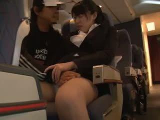 Officelady nahmatané v airliner