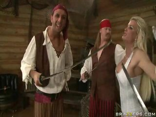 A kings wife down onto the pirates gigants miesa sword