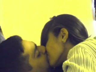 helvetin, imee, suudella