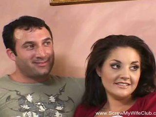 Brunete svingeri mammīte fucks jauns vīrietis