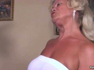 big boobs, grannies, bręsta
