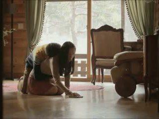 Роля играя (2012) секс сцени