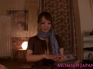Hitomi tanaka gives czuły pov masaż