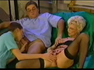 Sexy caldi francese matura anale fist piercing