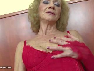 Rassidevaheline porno - granny likes see karm gets anaal.