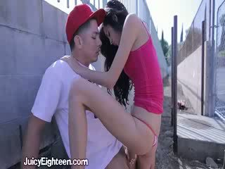 Zoey kush blows ele fora doors