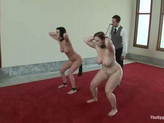 Karstās meitene manhandled un pakaļa