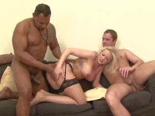 Gangbanged mieze anal ficken muschi drilling und swallowing 4 cocks