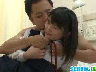 คนจีน trainee visits male freind ข้างใน โรงพยาบาล