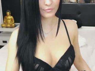 Cantik kamera babe mendapatkan telanjang dan masturbate