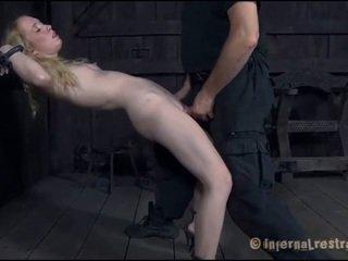 Torturing a крихітна sweetheart