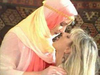 Arabic дівчина temptatione fucke по блондин краля